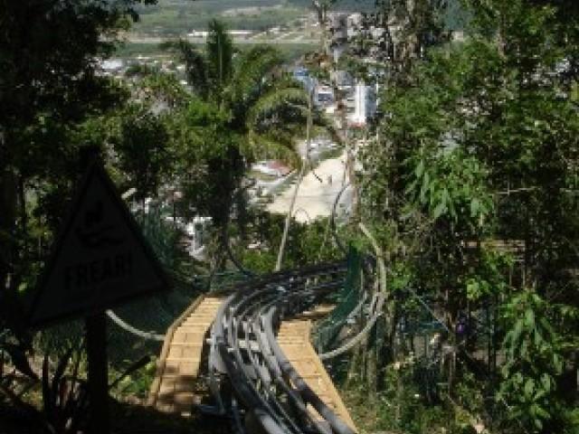 Unipraias inaugura o mais moderno trenó de montanha do mundo.