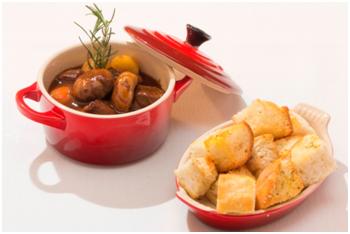 Prato para o inverno: Boeuf Bourguignone com pão francês