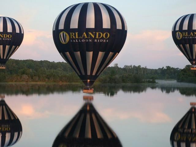 Passeios de balão encantam turistas que visitam a Flórida