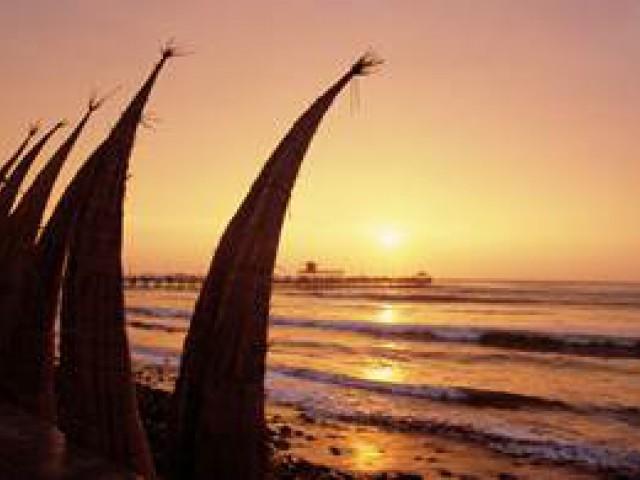 Campeonato mundial de surf, no Perú, mostrará o país como paraíso para surfistas