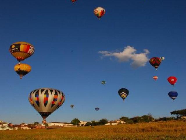 Acre incentiva o balonismo visando divulgar as belezas e riquezas da capital Rio Branco
