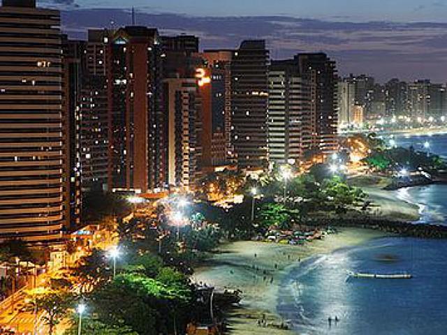 Fortaleza celebra 289 anos com homenagem de banda de forró