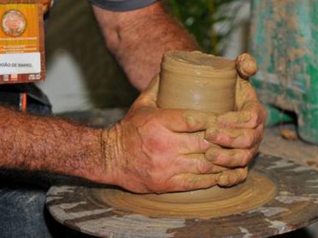 Sancionado projeto que regulamenta profissão de artesão